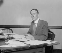 1924 photo Richard Seelye Jones, Director of Davis Bryan Clu
